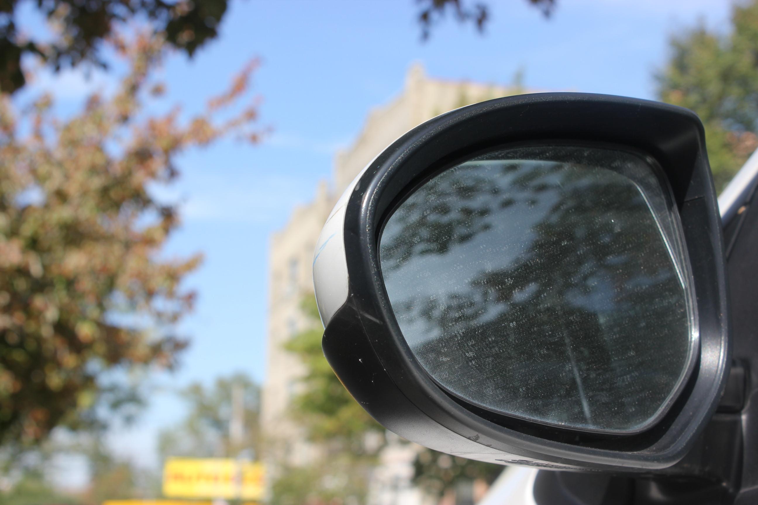 Mirror thefts vex Hunts Point drivers