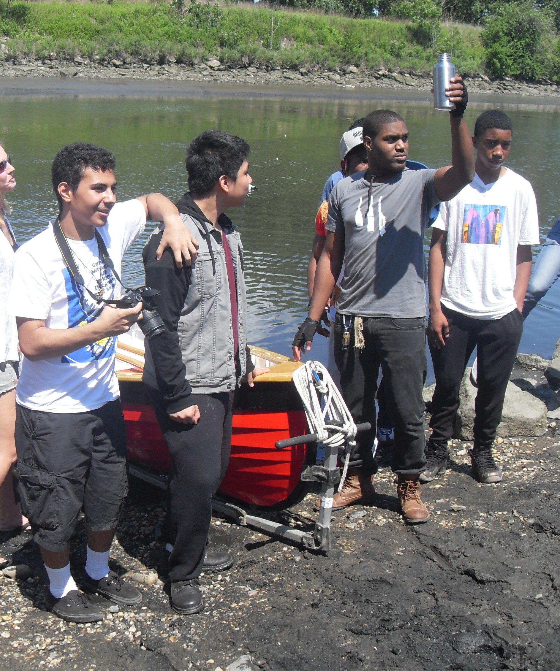 Young boatbuilders celebrate end of semester