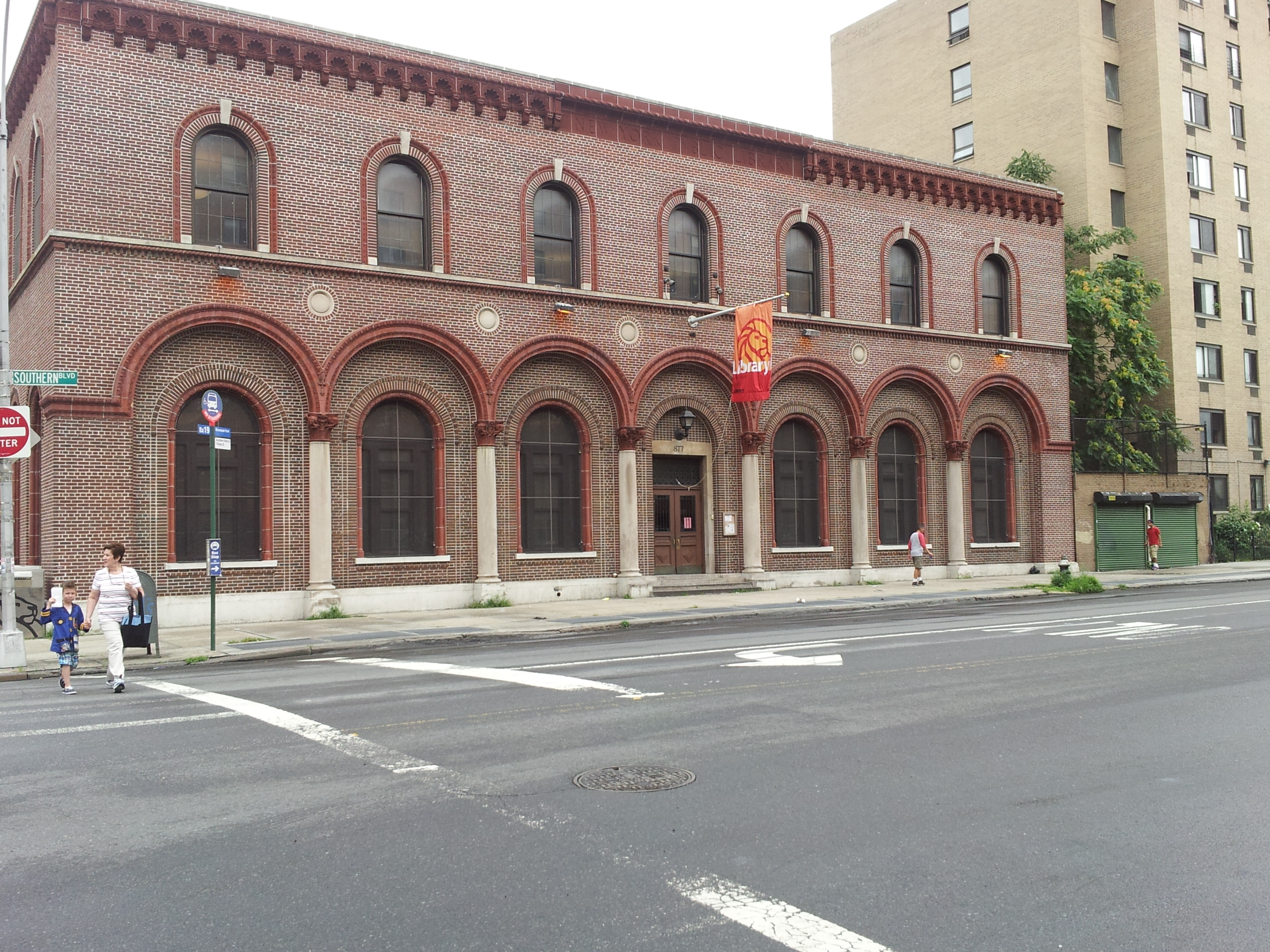 Teen Center proposed in Hunts Point library
